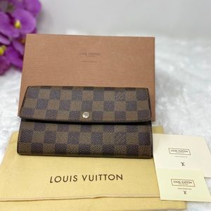 Preowned Authentic Louis Vuitton Damier Wallet